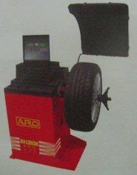 PROLINE 640 Wheel Balancer